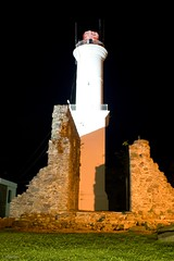 Farol (c.alberto) Tags: trip noturna farol manfrotto trip uruguai coloniadelsacramento trip