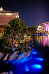 Hotel Bellagio (McHerbert) Tags: hotel nikon lasvegas casino nikkor hdr bellagiohotel golddragon colorphotoaward d700 hdraward superhdraward