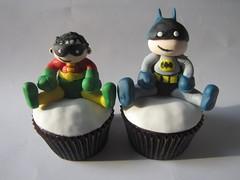 Batman & Robin cupcakes