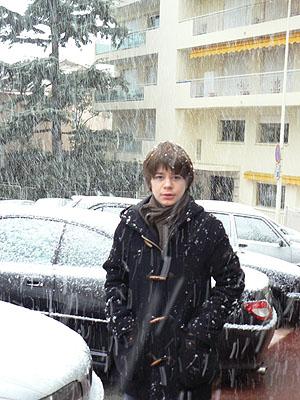 il neige devant l'immeuble.jpg