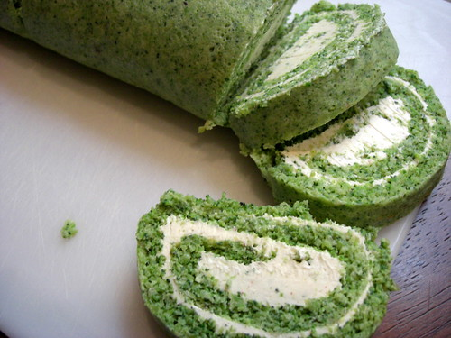 Broccoli roll with cheese