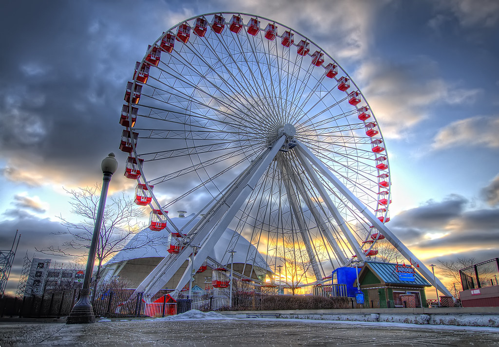 This is the Ferris Wheel at Navy Pier during sunrise.