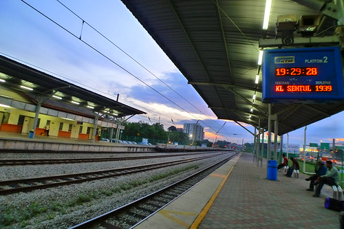 Batu Tiga train station 4