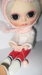 Juliet knitting
