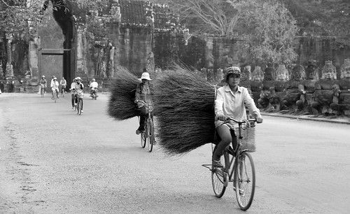 Brushmakers, Angkor Wat, Bayone, South Gate
