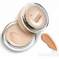 MaybellineDreamCreamyFoundation1
