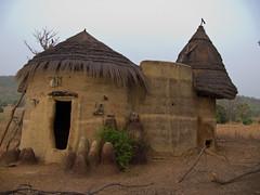 "Tata ""somba""-Benin (Justinsoul) Tags: voyage africa leica trip travel flickr afrika benin paysage pays pais afrique   atakora vlux1  otammari fluidr justinsoul"