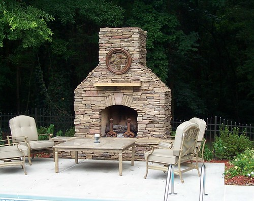 Charlotte, outdoor fireplace