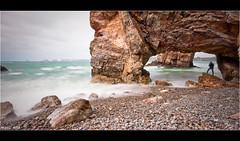 Crozon - Pointe de Dinan (Mikaël Milin) Tags: mer bretagne arche galets crozon poselongue pointededinan mikaelmilin