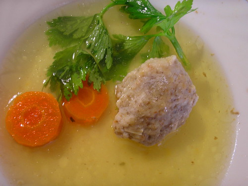 chicken soup with matzah balls