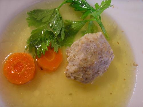 chicken soup with matzah balls