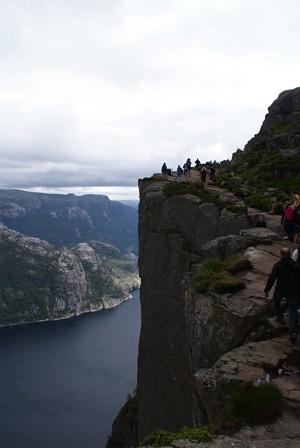 fjord by anton pered preikestulen
