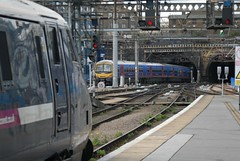 Holes (Tonsils) Tags: london station train railway commuter kingscross trainspotting