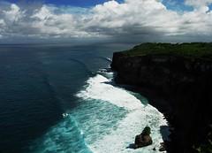 Uluwatu (freaklimber) Tags: ocean bali indonesia uluwatu bluocean