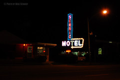 Salt Lake City Scenic Motel (Photography by Mike Schmidt) Tags: street sign night photography lights utah motel saltlakecity slc vacancy foothill mikeschmidt nikond200 meschmidt eastbenches