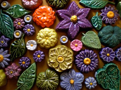 Full Circle Ceramic Flowers