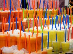 zumos de frutas! (Cl@udi@) Tags: frutta colori ghiaccio succo