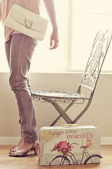 window light. (Gaby J Photography) Tags: pink vintage greenchair windowlight skinnyjeans vintagepurse silverheels benchmonday flowerluggage hellogaby