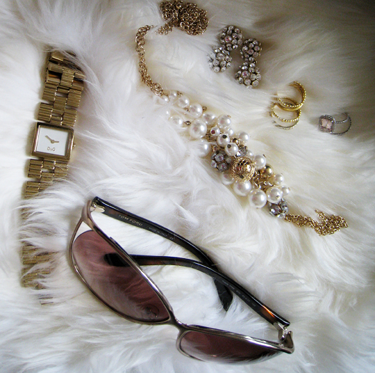 gold accessories