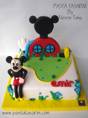 MICKEY MOUSE CLUB HOUSE BIRTHDAY CAKE - EMIR