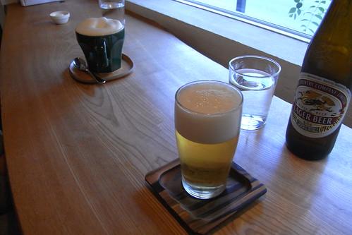 トムネコゴにて、ビール