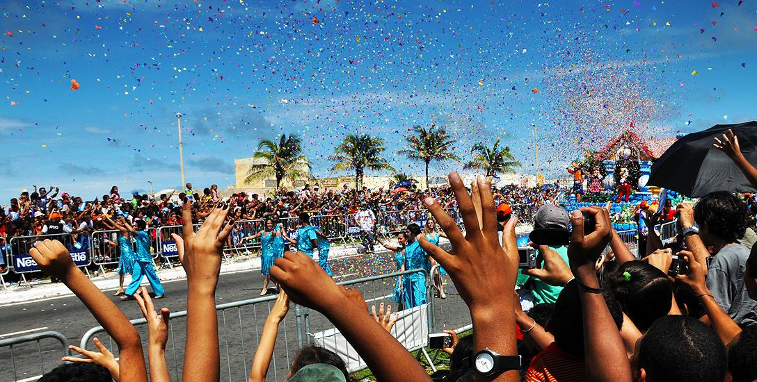soteropoli.com fotos de salvador bahia brasil brazil parada walt disney 2010 mickey donald pluto nemo pooh toy story by tuniso (14)