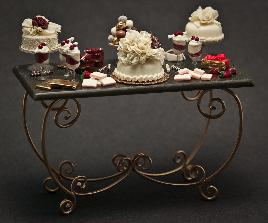 Doll House Cake Table
