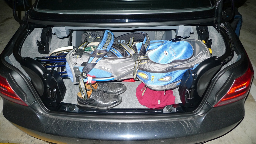Can You Fit Golf Clubs In A Bmw Z4