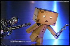 Danboard : I can save the world... (EdwardLee's collection) Tags: movie toy toys actionfigure comic day action collection figure terminator judgment t2 neca yotsubato yotsuba endoskeleton revoltech jfigure danboard edwardlees