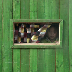 Little girl in little house - Samjiyon North Korea (Eric Lafforgue) Tags: house green window girl kid war asia child curtain korea explore asie coree fenetre northkorea dprk coreadelnorte nordkorea 8795    coreadelnord   insidenorthkorea  rpdc  kimjongun coreiadonorte  begaebong