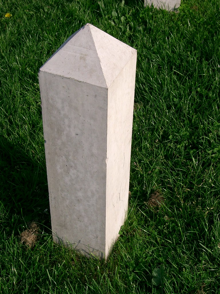 precast concrete Bollard