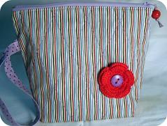 Necesaire - A flor foi presente da Tricia - Adorei!! (Luluzinha por Luiza Cavalcante) Tags: art arte handmade artesanato craft mimo fabric tecido luluzinha necessaire util feitoamo necesaire arteemtecido luizacavalcante