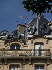 paris_35 (Torben*) Tags: roof paris france building facade geotagged lumix frankreich panasonic dach fassade gebaeude fz50 rawtherapee geo:lat=48840093 geo:lon=2335925