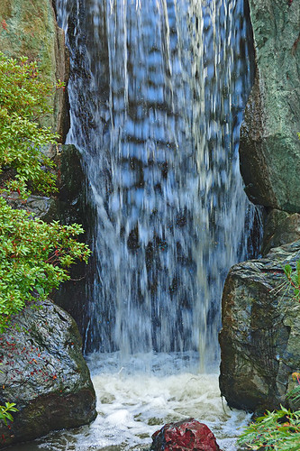 Missouri Botanical Garden (Shaw's Garden), in Saint Louis, MIssouri, USA - waterfall in Japanese garden