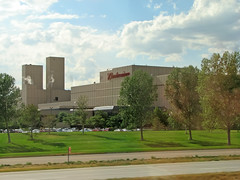 Budweiser Brewery in Fort Collins, Colorado (*Checco*) Tags: usa industry beer america colorado factory fort united unitedstatesofamerica brewery states bud collins budweiser i25 busch anheuser anheuserbusch interstate25