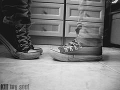 Desaparece (Kill my s0ul) Tags: bn converse pies desaparece