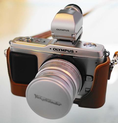 Silver Olympus E-P2 Voigtlander 35mm f1.7 Ultron