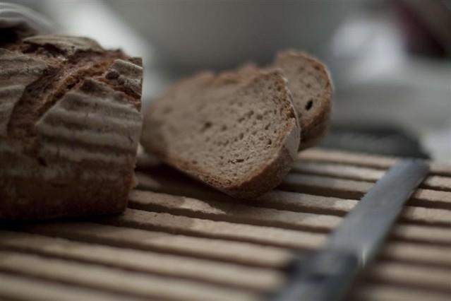 Brot schneiden, relexa hotel Bad Steben