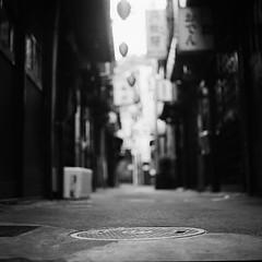alley without anyone (minou*) Tags: bw 120 film japan rollei cord tokyo alley shibuya calm medium calme rolleicord