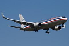 N382AN - 25451 - American Airlines - Boeing 767-323ER - 100617 - Heathrow - Steven Gray - IMG_4419