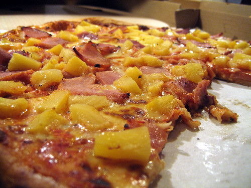 Fruit in pizza toppings started with the Hawaiian - image by Flickr.com