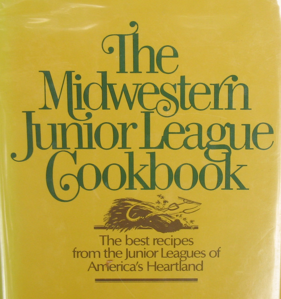 Vintage Cookbook 700 Midwestern Heartland Recipes Junior League Hardcover