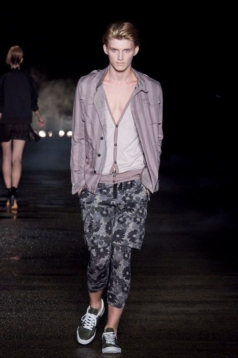 Charlie Westerberg3442_SS11_Tokyo_Davit MEURSAULT(Fashionsnap)