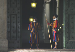 Swiss Guard (michael_hamburg69) Tags: trip italien vacation italy oktober vatican rome roma october italia swiss sightseeing guard vaticano rom 2010 vatikan    fndgng