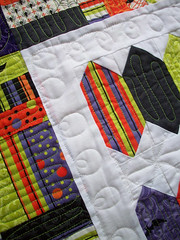 joyluck5 (oregonsurfers) Tags: halloween quilt moda schnibbles freemotionquilting