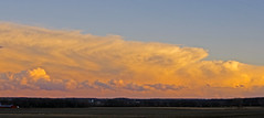 Low Sun on Cold Front to East, southern Iowa (Anaguma) Tags: missouri cold front cumulonimbus cumulus humilis clouds