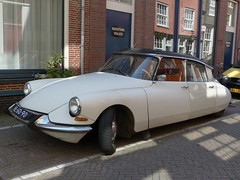 Citroën DS Vergangenheit- Citroën DS past (Anke knipst) Tags: amsterdam holland niederlande netherlands car auto citroen weis white ds oldtimer vintage