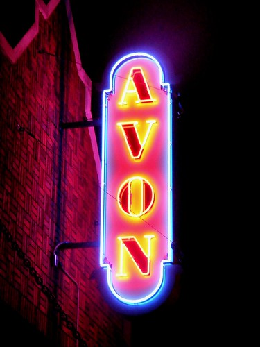 Birmingham's Avon Theater. acnatta/Flickr