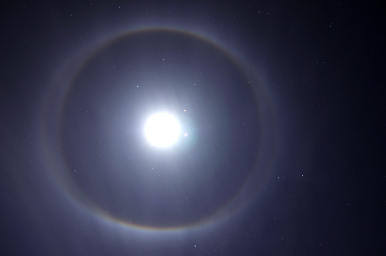web_moonhalo_cold_0003_2420