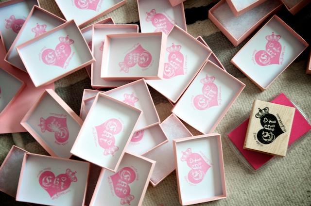eki Love stamping